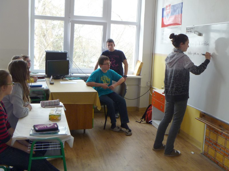 den-ucitelov-12-140_20120331_1502665438.jpg